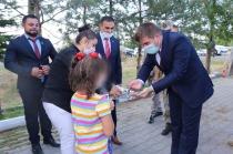 Vali/Belediye Başkan V. H. Engin Sarıibrahim ve Eşi Hatice Sarıibrahim Çocuk Koruma ve İlk Kabul Birimine Bayram Ziyaretinde Bulundu