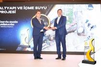 Vali/Belediye Başkan V. H. Engin Sarıibrahim, Kent & Başkan Ödülü'ne layık görüldü.