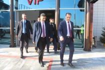 Ak Parti İl Başkanı Ayaz ve Merkez İlçe Başkanı Demirel'e havaalanında coşkulu karşılama