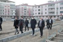 Vali/Belediye Başkan V.  H. Engin Sarıibrahim,  Dilucu Şehitleri Anıt Parkı inşaatında incelemelerde bulundu