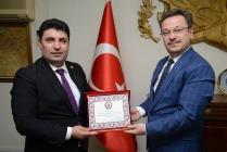 İŞ ADAMINDAN VALİ ENVER ÜNLÜ'YE ZİYARET