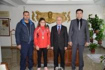Başarılı Sporcumuz Vali Davut Haner'i Makamında Ziyaret Etti