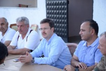 VALİ ÜNLÜ, PAMUK TARLASINDA İNCELEMELERDE BULUNDU