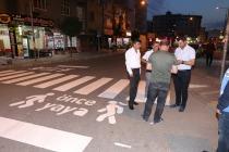 Şehir Merkezindeki Yollarda Yaya Geçitleri Boyanarak Yenilendi