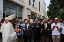 Muhammed Mursi İçin Gıyabi Cenaze Namazı Kılındı