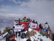 Iğdır Kars ve Doğubayazıtlı  38 dağcı Haça dağına  tırmanış gerçekleştirdi