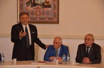 SERVET GÜRCAN'IN ŞİİR KİTABI AZERBAYCAN TÜRKÇESİ İLE YAINLANDI