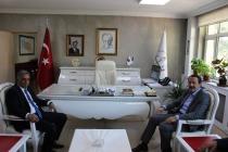 Memur-Sen Genel Başkanı Ali Yalçın,İl Milli Eğitim Müdürü Hakan Gönen'i Makamında Ziyaret Etti