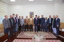 Ensar Vakfı Genel Müdürü Hüseyin Kader, Iğdır Şube Başkanı Ünal Zaman Heyetiyle Birlikte Rektör Almayı Ziyaret Ettiler