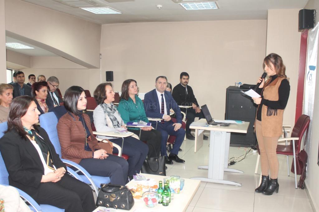 'Kadına yönelik şiddet'  konulu seminer düzenledi.
