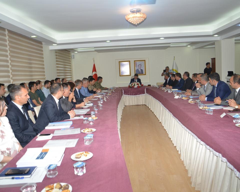 Vali  Enver Ünlü'nün Başkanlığında Afet ve Acil Durum Koordinasyon Kurulu Toplantısı Yapıldı
