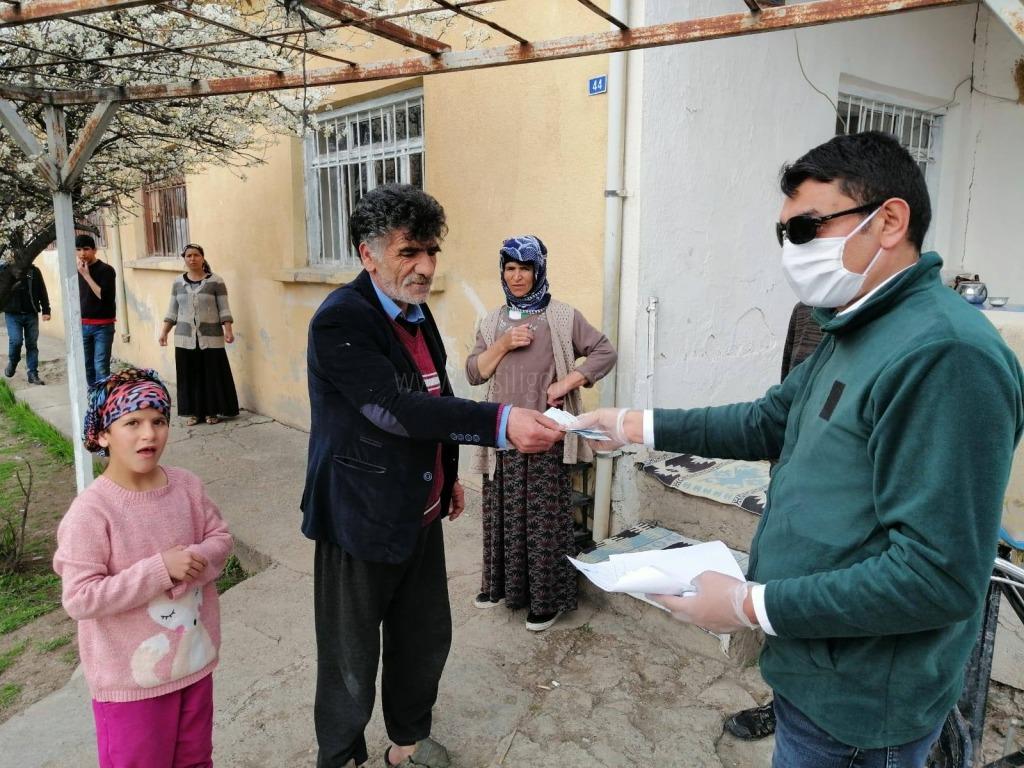 Yaşlılar Ziyaret Edilerek Para Yardımı Yapıldı