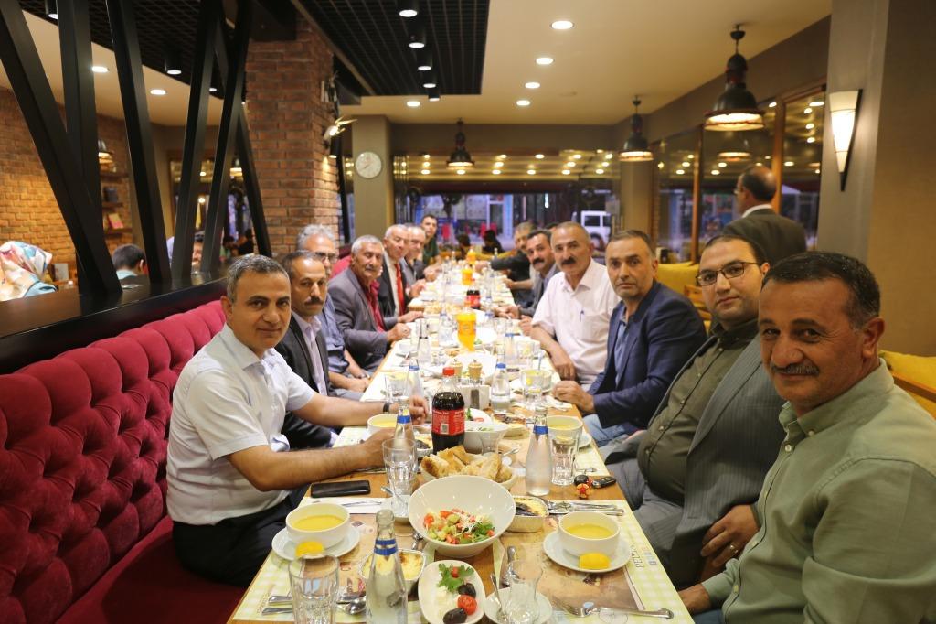 Başkan Yikit Iğdır Merkez Mahalle Muhtarlarını İftar Yemeğinde Ağırladı