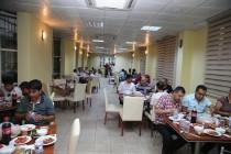 Iğdır Üniversitesi Yardımcı Personeline İftar Yemeği Verdi