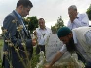 Milletvekili Dr. OĞAN, Taş Medreseli Ülkücüler ile Iğdır'daki Ülkücü Şehitlerin Mezarlarını ve Ailelerini Ziyaret Etti