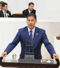 Dr. Sinan Oğan, Iğdır'daki Dolu Felaketi ile İlgili Mecliste Basın Toplantısı Düzenledi