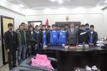 Hakkari Cumhuriyet Lisesi Futbol Takımından Başkan Malk'a Ziyaret